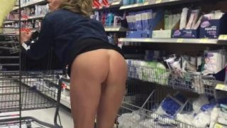 RealPorn Nude Milf In Store Flashes Pussy And Ass Part2
